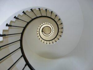 betydningen af drømme om trapper - drømmetydning trappe som drømmesymbol